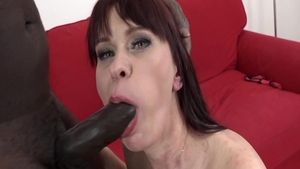 Sexy MILF Noname Jane finds pleasure in ramming hard