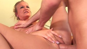 Gorgeous MILF Katie Morgan anal fucks getting facial