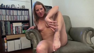 Horny amateur Alyssa Dutch reality masturbation rubbing