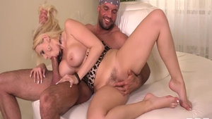 Pussy fucking sex tape escorted by very hot raw Larry Steel
