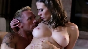 Large tits whore finds pleasure in nailing