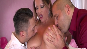 Brunette Laura Orsolya raw cumshot