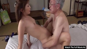 Young japanese babe Pussy fucked