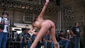 Contest in public accompanied by gorgeous chick