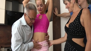Very sexy and big butt mature surprise blowjob