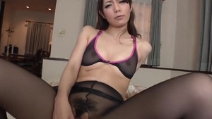 Blowjobs escorted by asian maid wearing pantyhose in HD