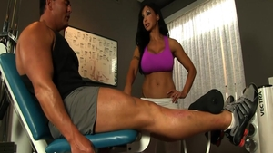 Muscle & busty Jewels Jade cumshot at the gym
