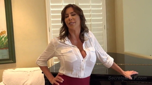 Very sexy stepmom Alexis Fawx feels the need for doggy sex HD