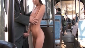 Foxi Di pussy fucking in the bus