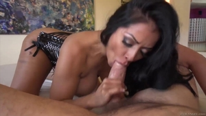 Thick mature Kiara Mia feels in need of nailed rough in HD