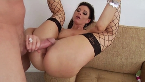 MILF anal gaping in HD