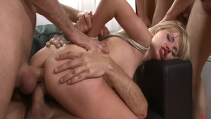 Very hawt Sasha Rose gangbang
