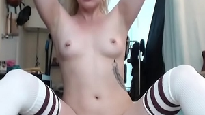 Tattooed Chloe Sparkles moaning on live cam