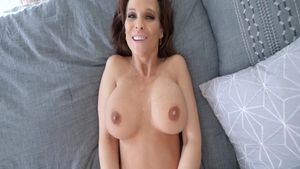 Big ass lustful MILF Syren De Mer POV sucking cock