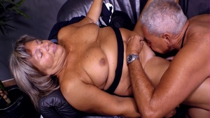 Threesome in the company of MILF