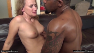 MILF Valerie Rose double penetration