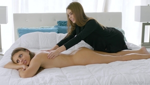 Teen Gia Derza massage
