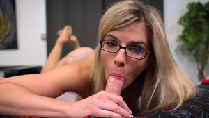 Big tits stepmom agrees to raw fucking in HD