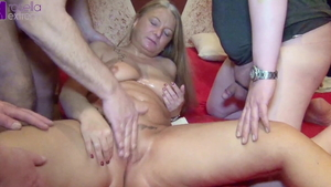 Blowjob along with big boobs deutsch MILF Rosella Extrem