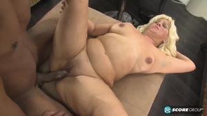 Big tits amateur finds irresistible dick sucking