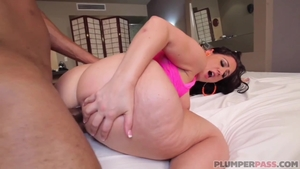 Big butt latina pawg feels the need for hard pounding