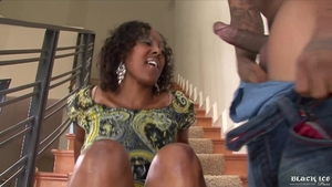 Big boobs ebony amateur has a taste for hard rough sex