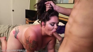Young mature Vanessa London finds irresistible deepthroat