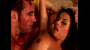 Super hot Vanessa Paradise helps with hard ramming