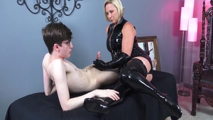 Fetish handjob together with erotic amateur