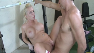 Pussy sex escorted by athletic blonde haired