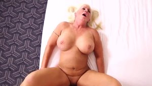 Busty & big ass mature POV got her pussy pounded