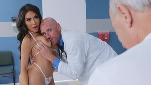 Brazzers Network - Fabulous Lela Star ass pounded