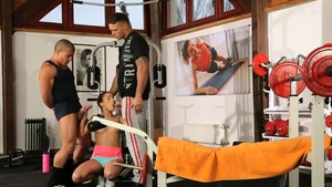 Anita Bellini double penetration at the gym