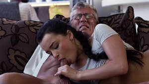 Young cougar Erica Black need gets hard slamming in HD
