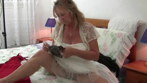 Solo british granny in sexy stockings nailed rough
