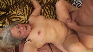 European cougar got her pussy smashed