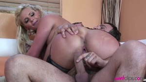 Hottest blonde Phoenix Marie craving hard nailining