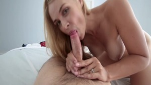 MILF Sarah Vandella rough does what shes told